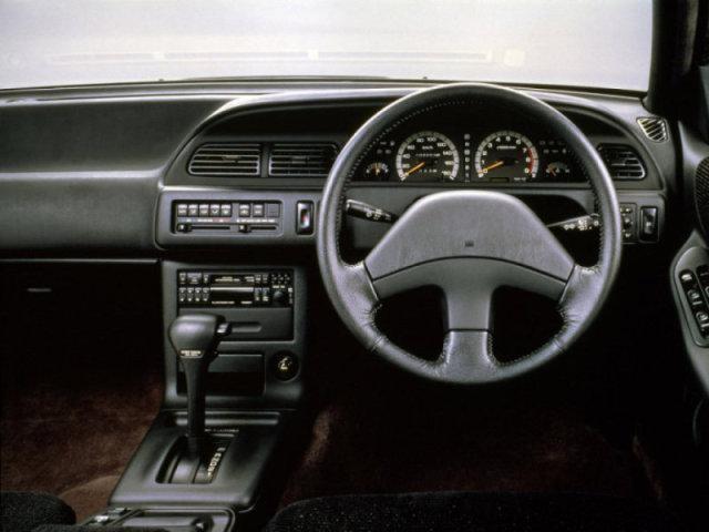 Передняя панель Nissan Cefiro