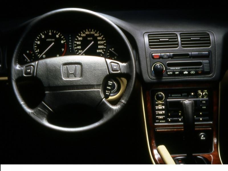 Кпп, руль, консоль Honda Legend Coupe