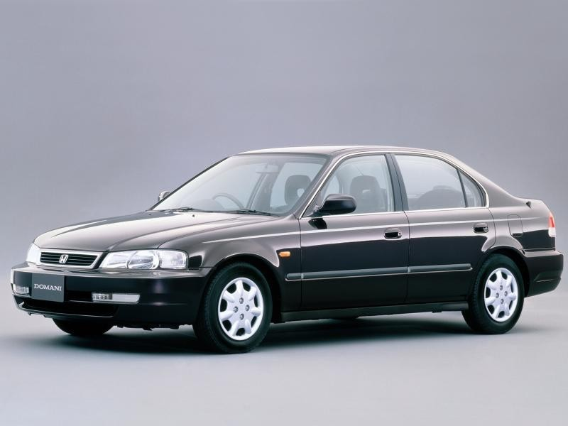 Honda Domani вид сбоку