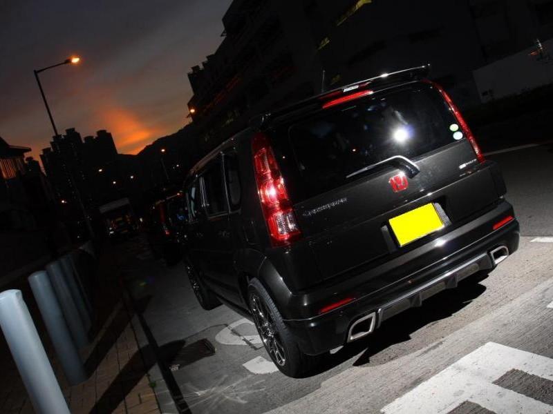 Черный Honda Crossroad вид сзади