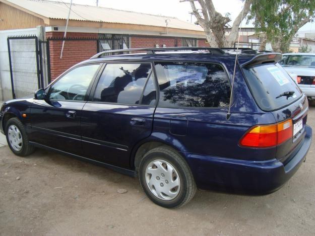 Синий универсал Honda Orthia вид сбоку