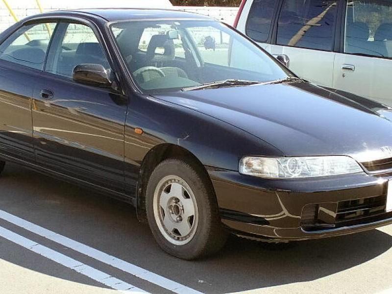 Черный Honda Integra SJ
