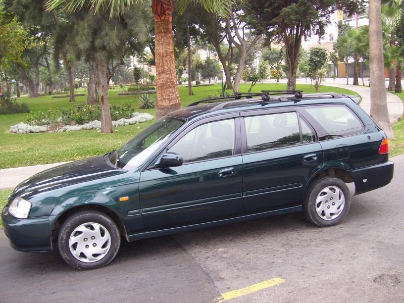 Зеленый Honda Orthia вид сбоку