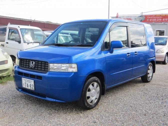 Синий Honda Mobilio Spike
