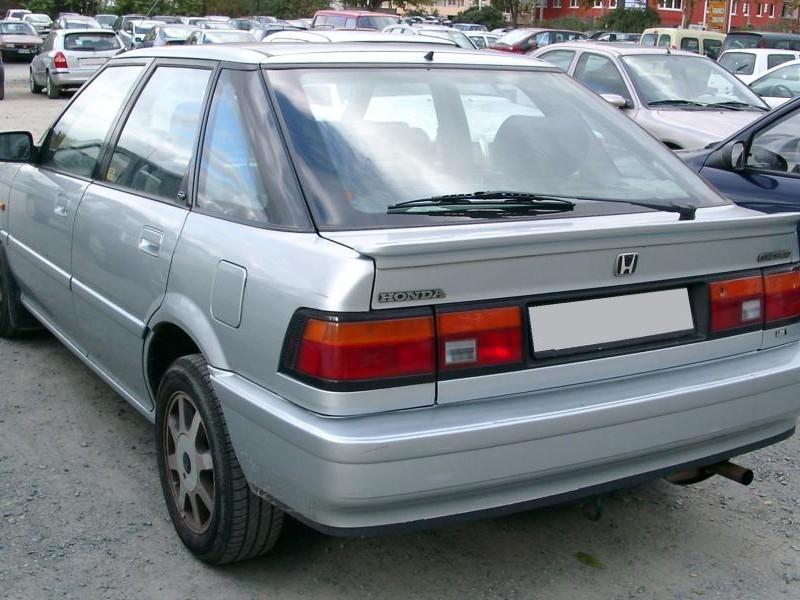 Honda Concerto вид сзади