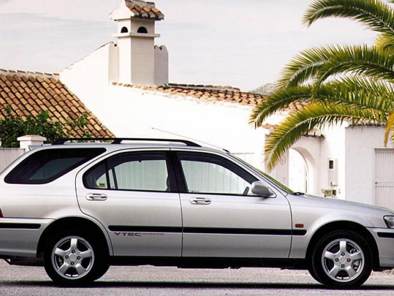 Honda Civic Aerodeck, серебристый универсал, вид сбоку