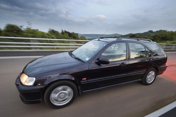 Черный универсал Honda Civic Aerodeck