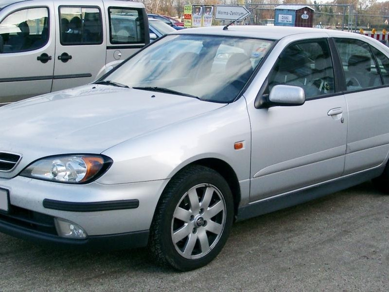 Седан Nissan Primera Camino