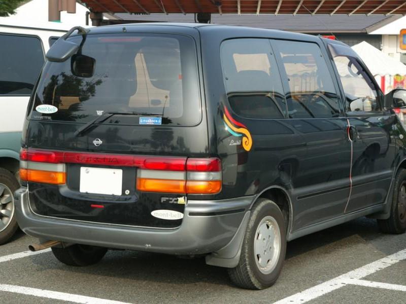 Nissan Vanette Serena вид сзади