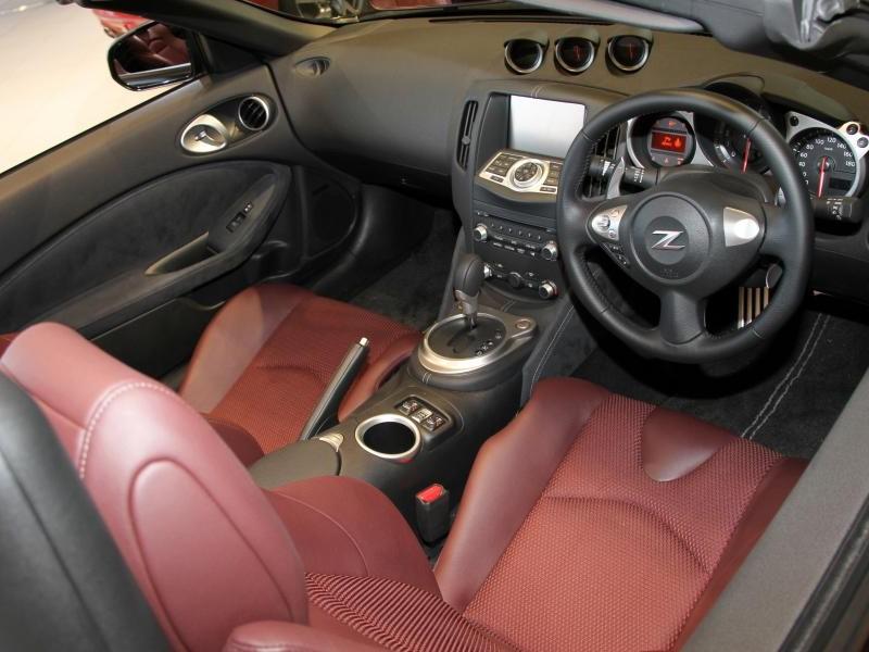 Интерьер Nissan Fairlady Z