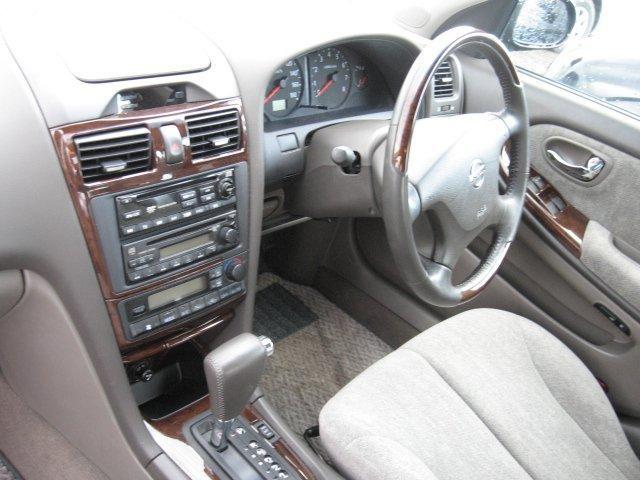 Руль, кпп, консоль Nissan Cefiro