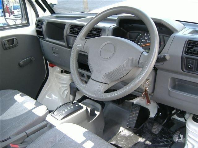 Руль, кпп Nissan Clipper