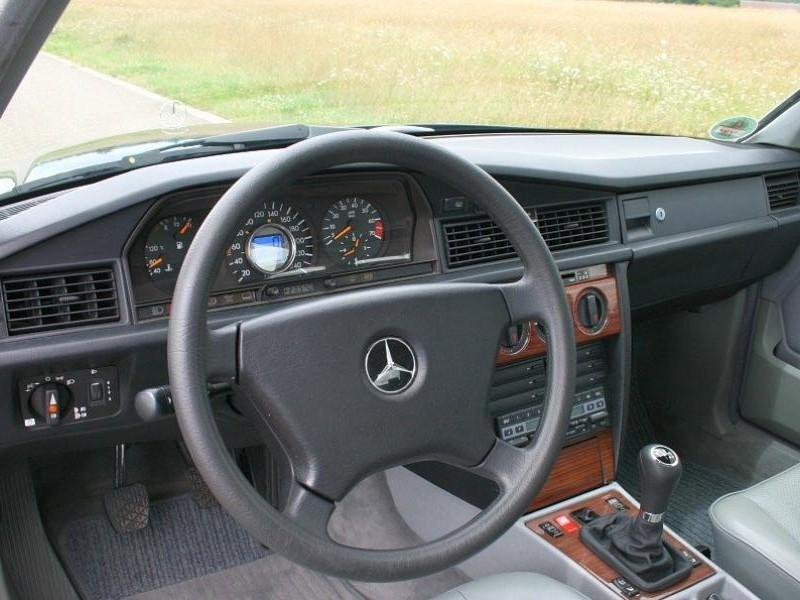 Руль, кпп Mercedes W201