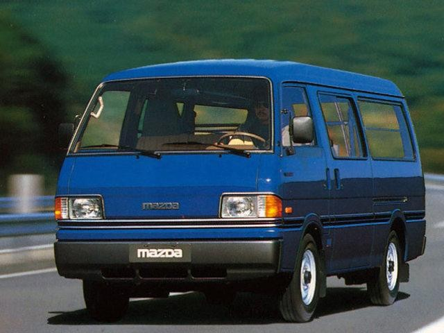 Mazda E2000 синего цвета