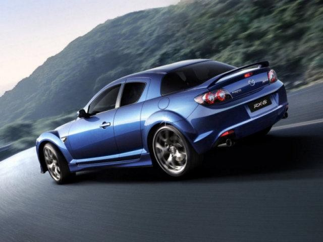 Mazda RX-8 синего цвета