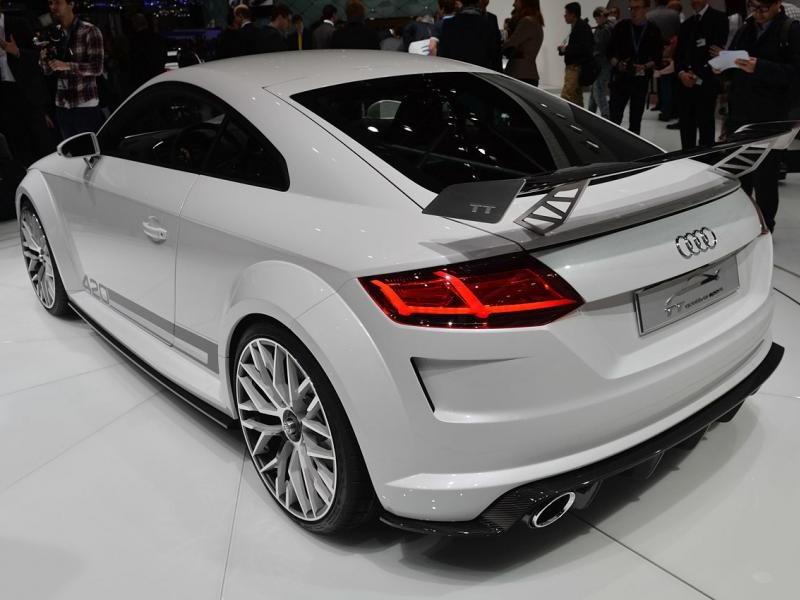 Концепт Audi TT quattro sport: вид сзади слева
