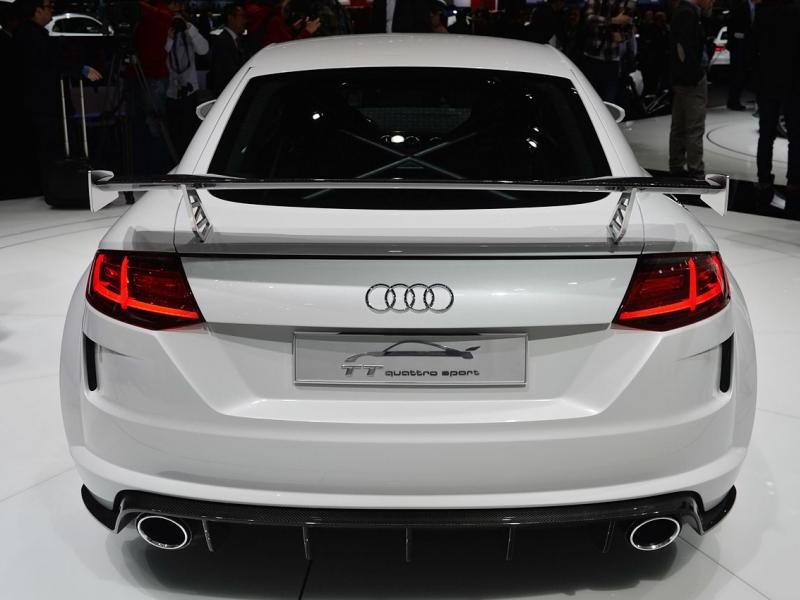 Концепт Audi TT quattro sport: вид сзади