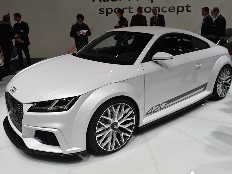 Концепт Audi TT quattro sport: вид спереди слева