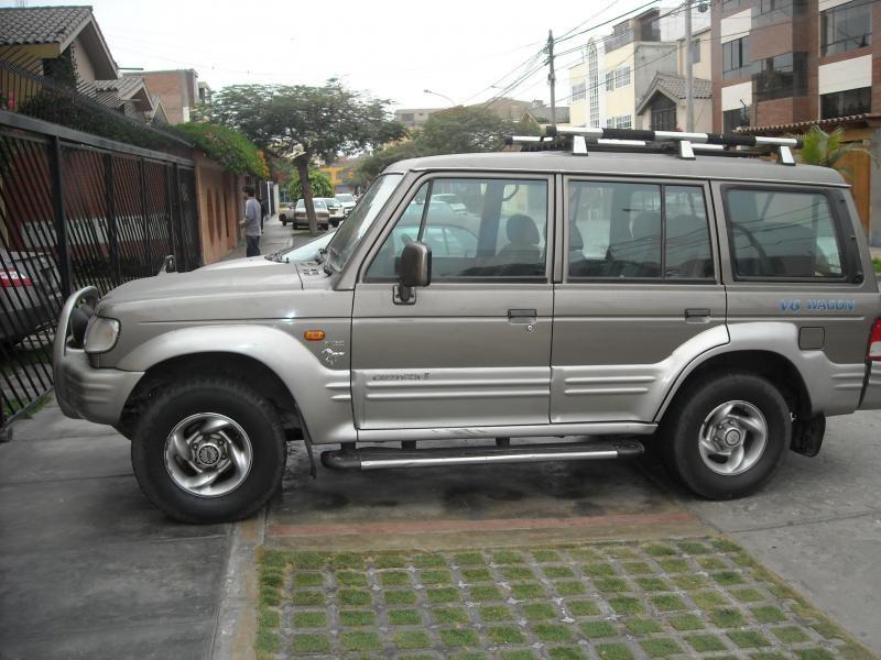 Hyundai Galloper, вид сбоку