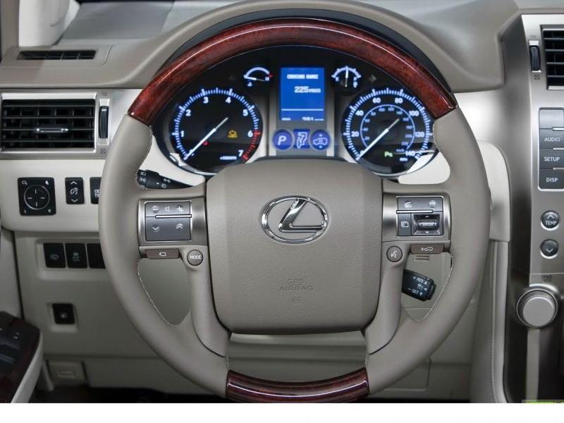 Руль, приборная панель Lexus GS460
