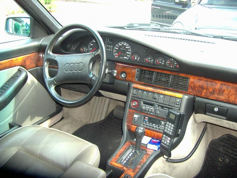 Руль, кпп, приборная панель Audi V8