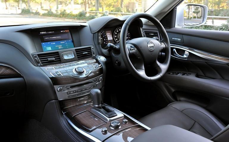 Руль, кпп, консоль, салон Toyota Crown Hybrid