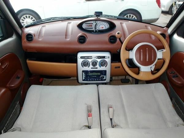 Салон Toyota Will Vi