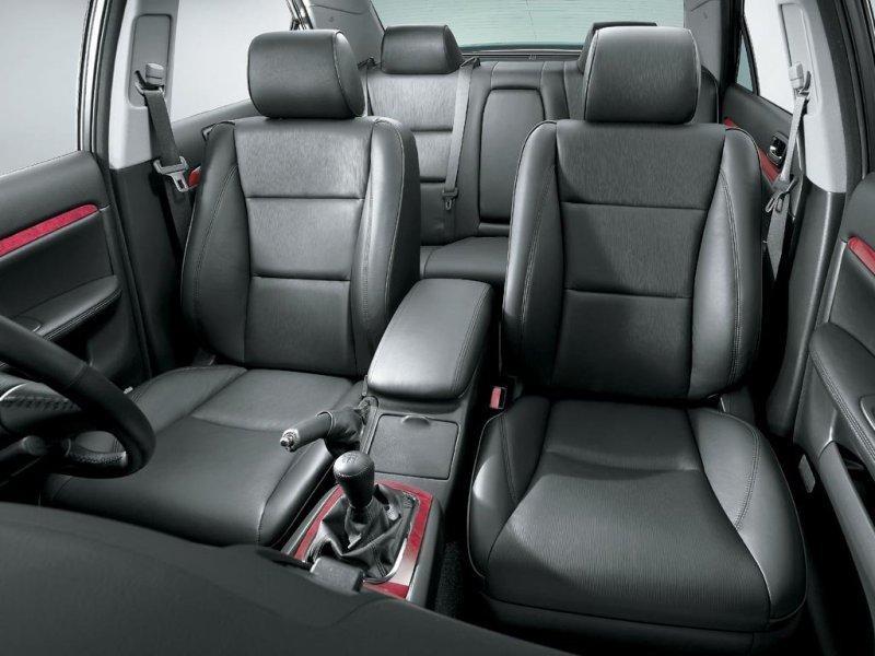 Черный салон Toyota Mark II Wagon Blit