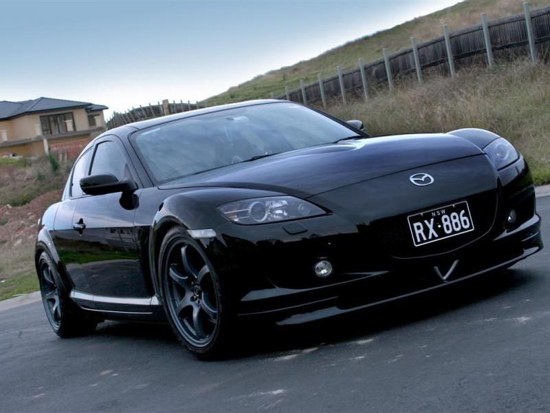 Черный Mazda RX-8 вид спереди