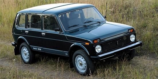 Черный ВАЗ 2131 4х4 Нива, вид сбоку
