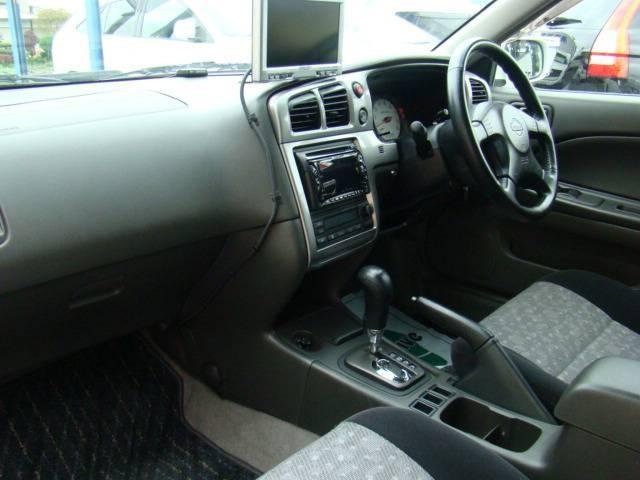 Руль, кпп, консоль Nissan Avenir Salut