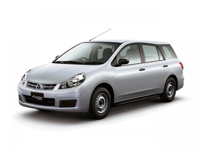 Серебристый Mazda Familia Van