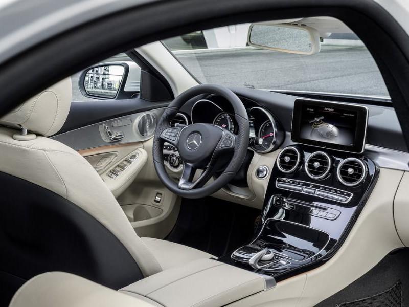 Белый салон, руль, консоль Mercedes C-Class (w205) 2014