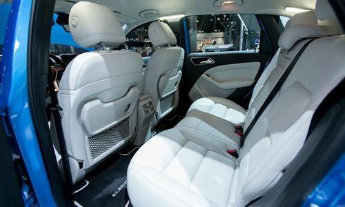 Белый салон Mercedes B-Class 2014