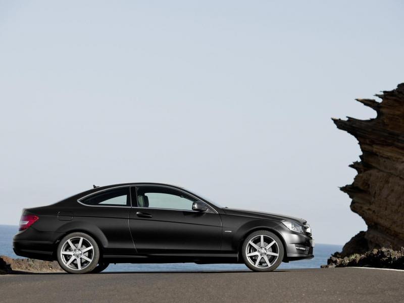 Черный Mercedes C-Class Coupe (204) 2014