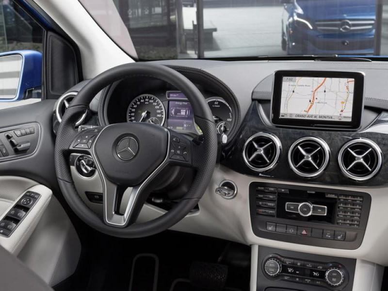 Руль, консоль, приборная панель Mercedes B-Class 2014