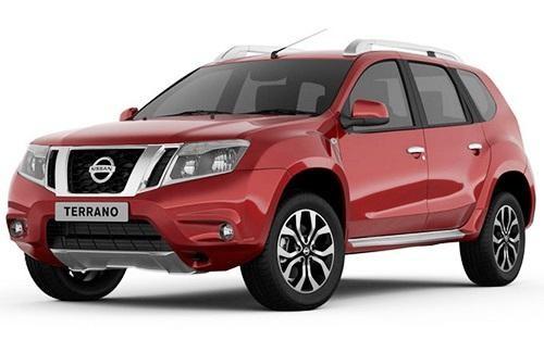 Красный кроссовер Nissan Terrano 2014