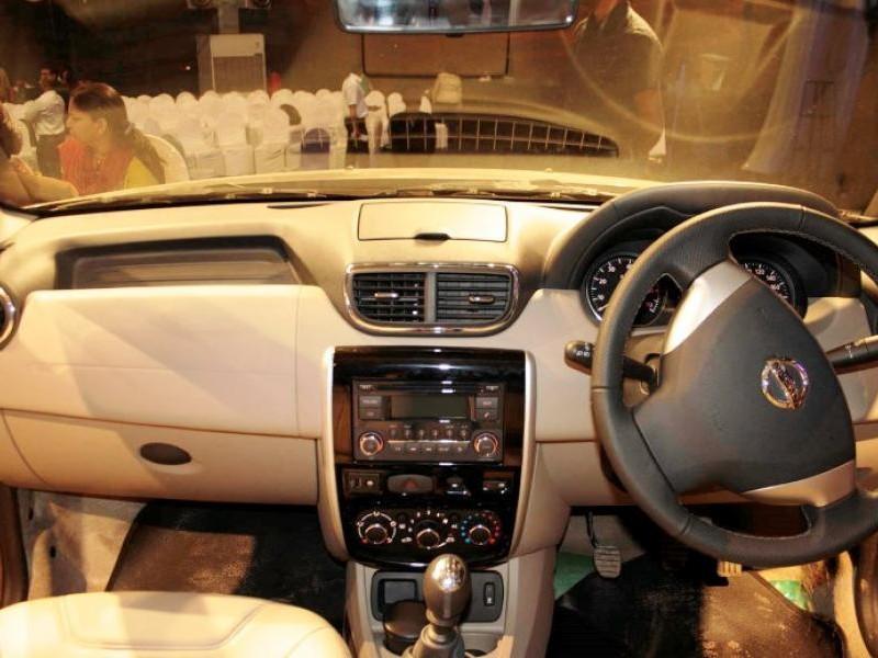 Руль, кпп, консоль Nissan Terrano 2014