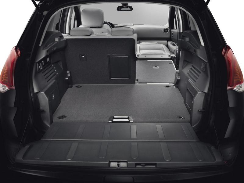 Багажник, салон кроссовера Peugeot 3008 2014
