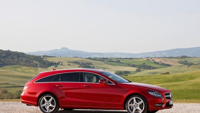 Красный универсал Mercedes CLS-Class Shooting Brake 2014 вид сбоку