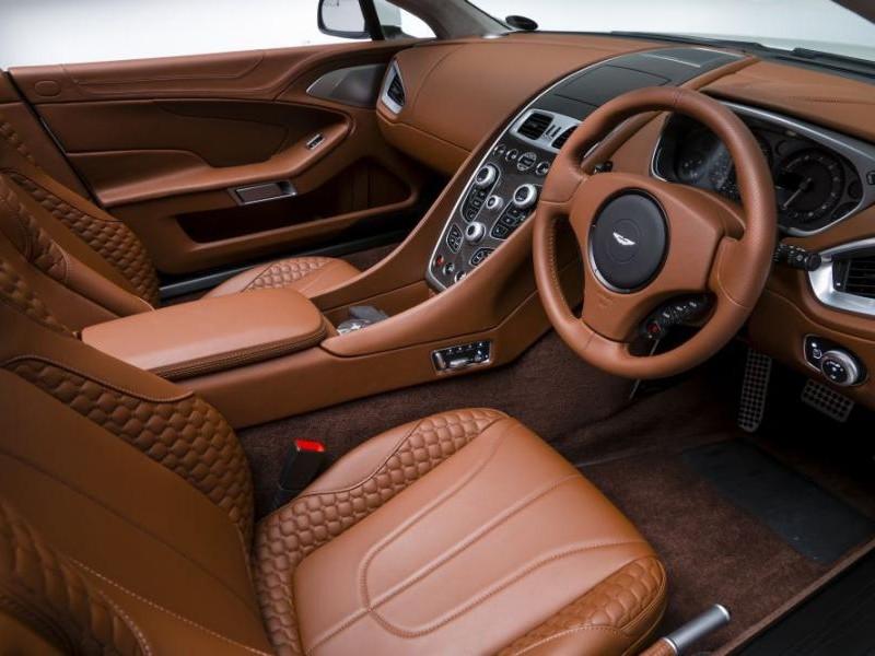 Руль, салон, консоль Aston Martin Vanquish Volante 2014