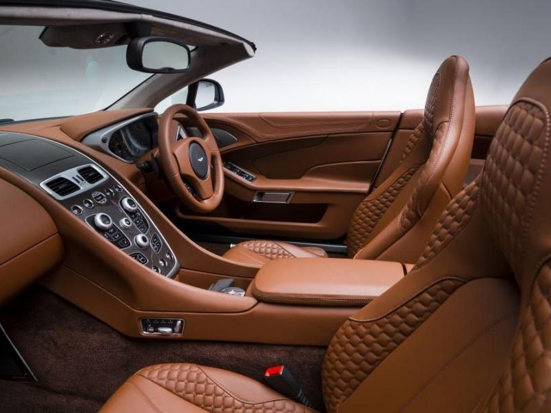 Кожаный салон Aston Martin Vanquish Volante