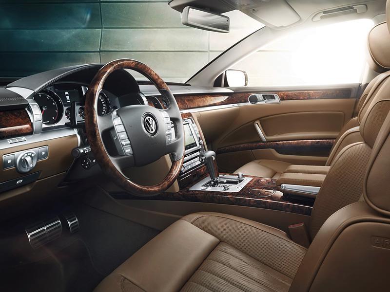 Бежевый салон, руль, кпп, консоль Volkswagen Phaeton 2014