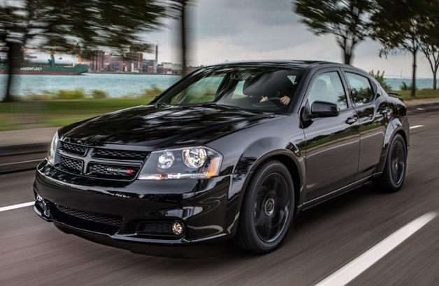 Черный Dodge Avenger 2014