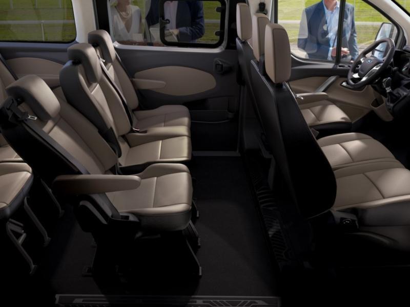 Бежевый салон Ford Tourneo Custom 2014