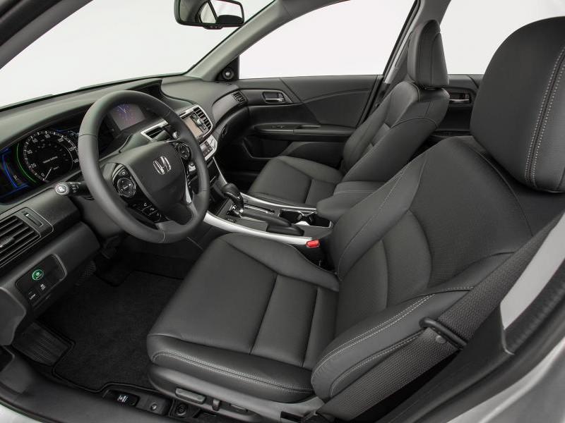 Черный салон, руль Honda Accord 2014