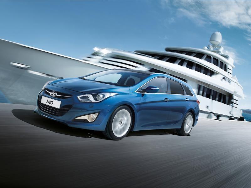 Синий универсал Hyundai i40
