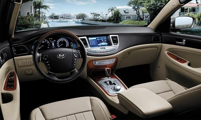Белый салон, руль, консоль, коробка передач Hyundai Genesis 2014