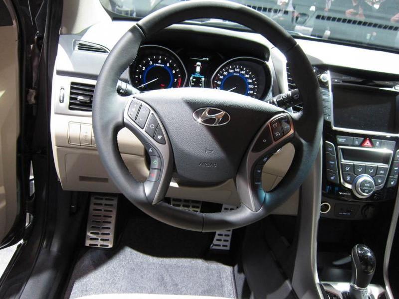 Руль, консоль, кпп Hyundai I30 2014