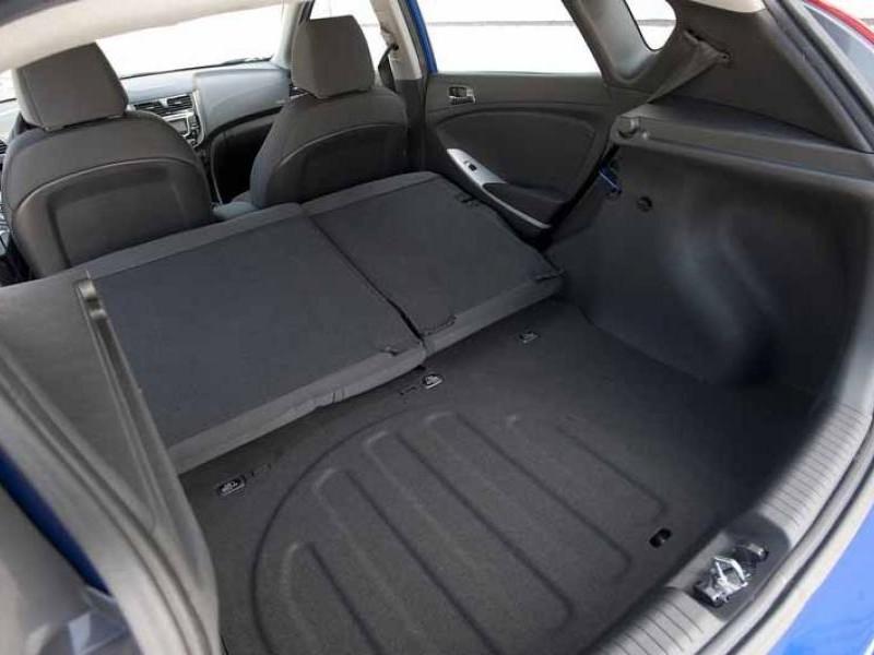 Багажник хэтчбека Hyundai Solaris 2014